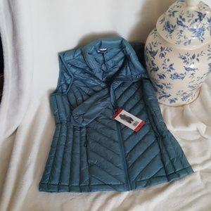 Vest. Packable down vest